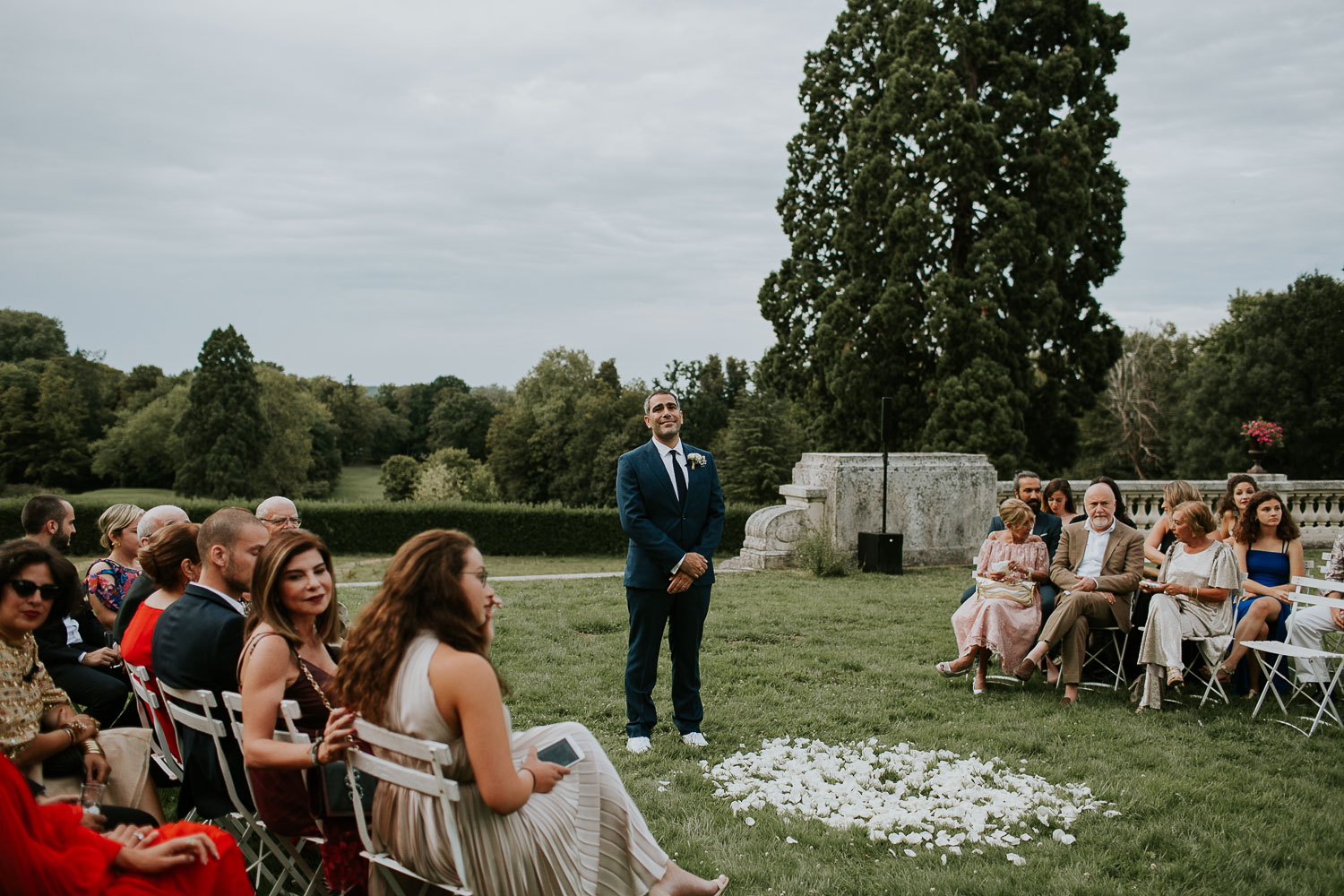 chateau-bouffemont-outdoor-wedding-108