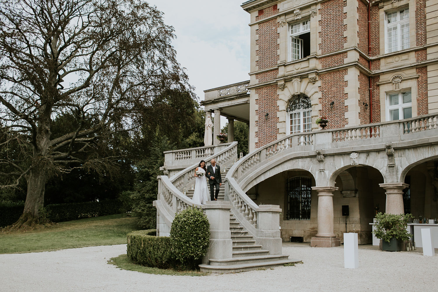 chateau-bouffemont-outdoor-wedding-113