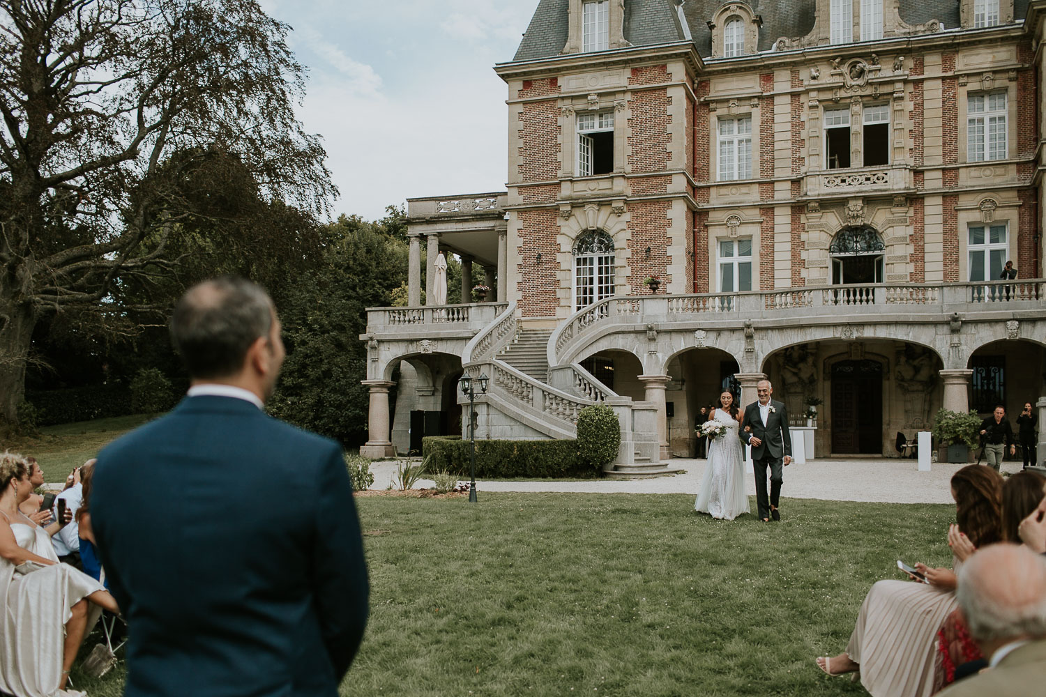 chateau-bouffemont-outdoor-wedding-116