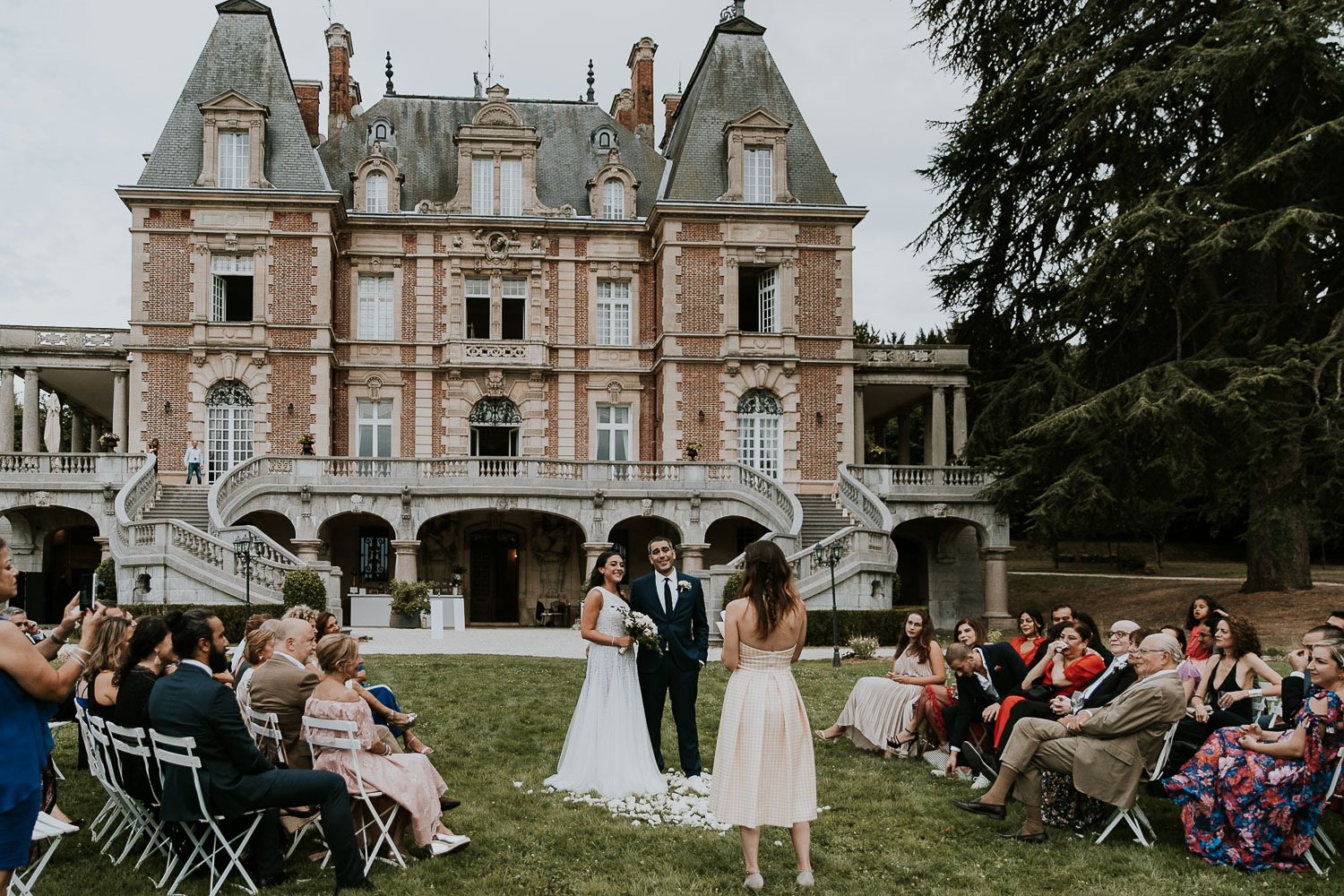 chateau-bouffemont-outdoor-wedding-138