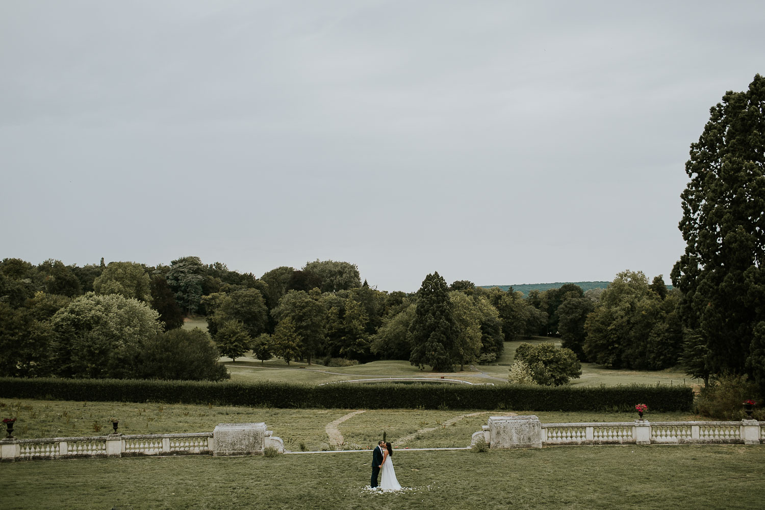 chateau-bouffemont-outdoor-wedding-164