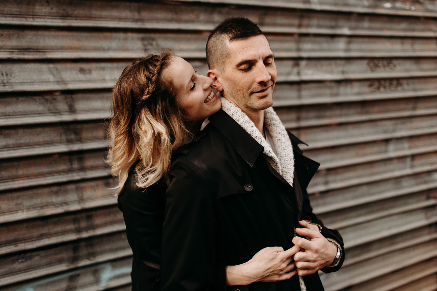 seance-couple-vieux-lille-engagement-photographe-lifestyle-nord-25