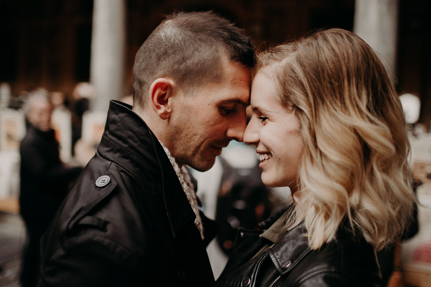 seance-couple-vieux-lille-engagement-photographe-lifestyle-nord-4