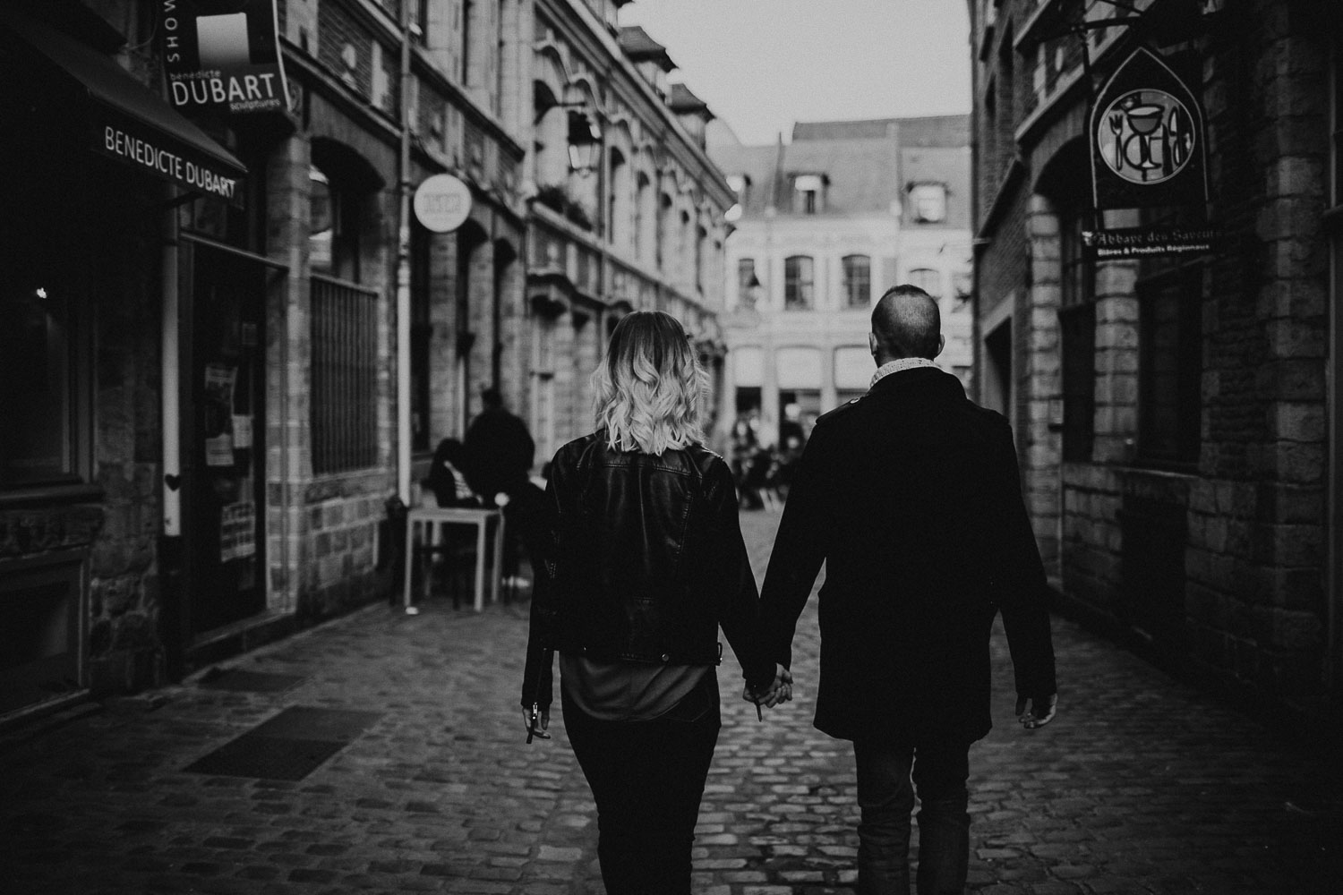 seance-couple-vieux-lille-engagement-photographe-lifestyle-nord-43