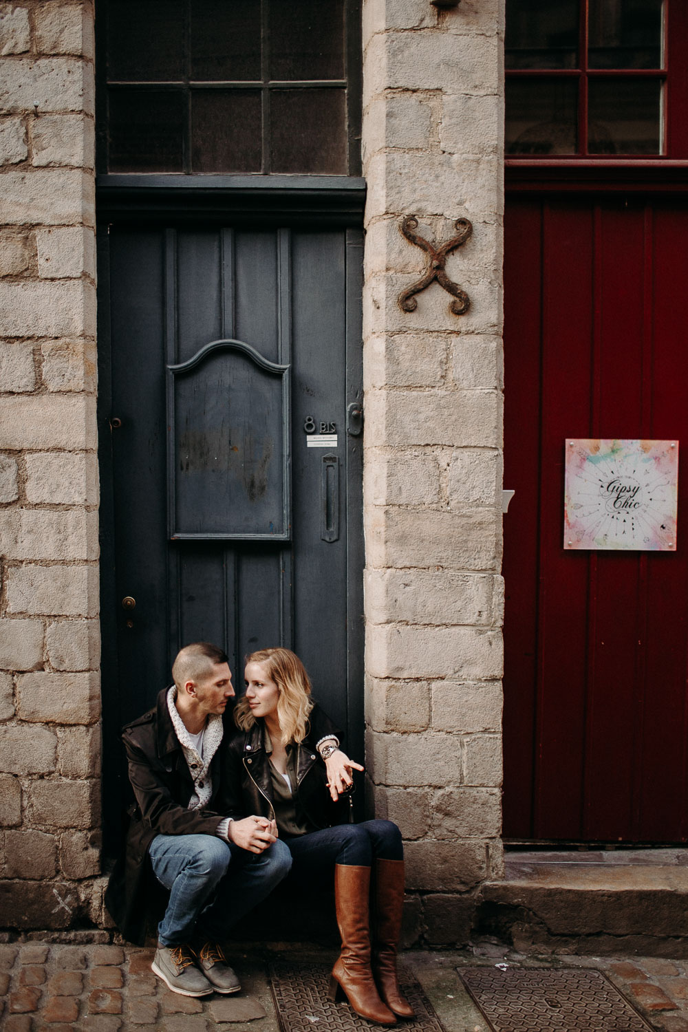 seance-couple-vieux-lille-engagement-photographe-lifestyle-nord-45